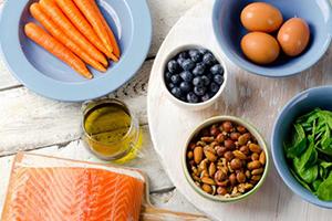 5 alimentos que cuidan la vista