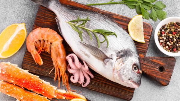 Formas de comer más pescado. Propósitos saludables Dialprix de abril