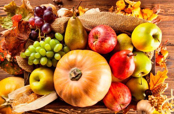 Frutas de temporada en otoño