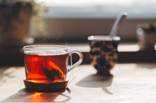 El té: beneficios y formas de tomarlo en caliente y frío