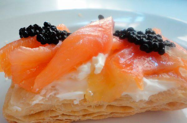 Receta de canapé de salmón ahumado con crema de queso
