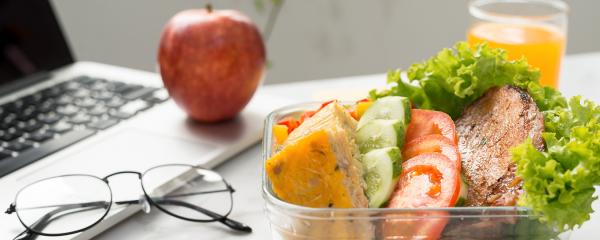 4 recetas rápidas y sencillas para comer saludable en el trabajo
