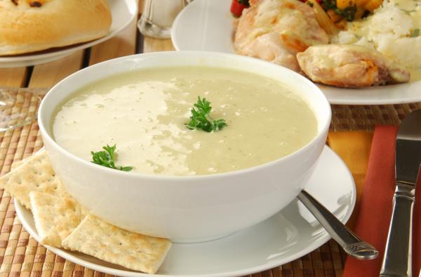 Receta de sopa parisina con patatas y puerros